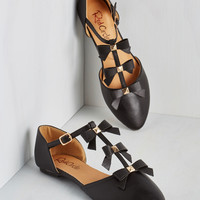 See it to Bow-lieve It Flat in Black | Mod Retro Vintage Flats | ModCloth.com