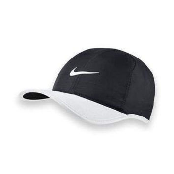 Nike Feather Light Hat, 679421 013 Black/White