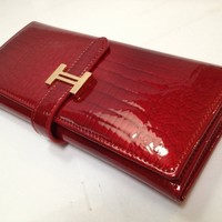 Dealstores123 - Glossy Film on Genuine Leather Women's Wallet - Crocodile Pattern - Glossy Maroon