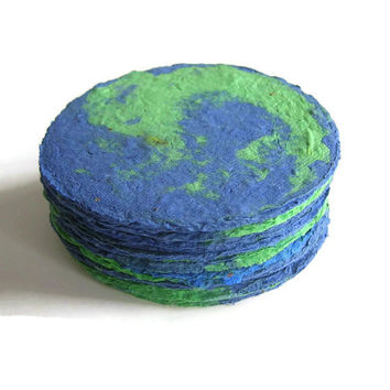 Plantable paper favor, place card - Made of green and blue handmade paper & flower seeds - Globe, travel, space, planet, world, Earth Day