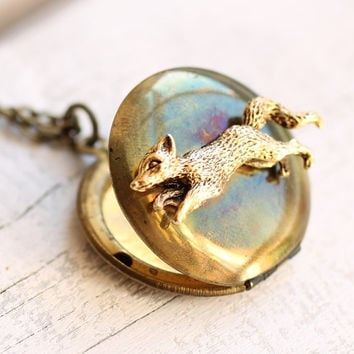 Fox Locket ... Vintage Woodland Treasure Keepsake