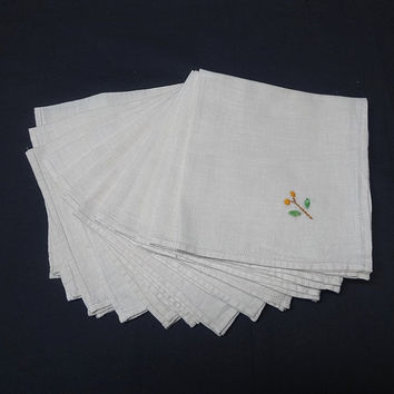 Set of 12 Vintage 1980s Ivory Linen Dinner Napkins with Hand Embroidered Flowers, 13.5 x 14 Inches, Vintage Table Linens, Home Decorating