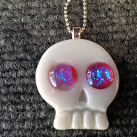 Fused Glass Pendant Necklace White Skull with Fiery Dichroic Eyes 001