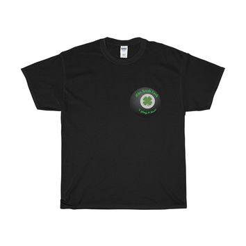 8 ball to play is to win Tshirt