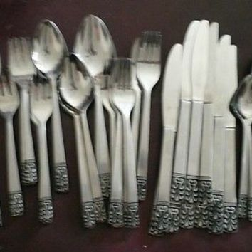 Mid Century Mod Carlyle Silver Cameo Stainless Flatware 53 Pc Lot JH Hong Kong