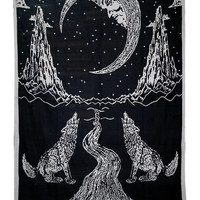 Wolf Howling to Full Moon Night Tapestry Wall Hanging Black and White Wall Decor Art for Bedroom Living Room Dorm 80 X 60 inches