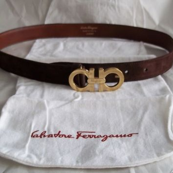SALVATORE FERRAGAMO DOUBLE GANCINI WOMANS SUEDE BELT RARE SIZE FITS 28-30 WAIST
