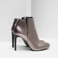 SHINY HEEL ANKLE BOOT