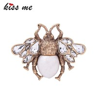 KISS ME Cute Clear Crystal Imitation Pearl Insect Bee Brooches for Women Charming Alloy Vintage Brooch Pink Jewelry Accessories