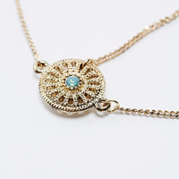 Round Filigree Head Chain in Gold - Urban Outfitters