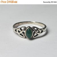 ON SALE Vintage 925 Silver Celtic Knot & Chrysoprase Ring, Trinity Knot, Openwork, Marquise, Size 6 3/4, Healing Spirit! #B079