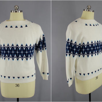 Vintage 1970s Sweater / 70s Sweater / Fair Isle Sweater / Snowflake Sweater / Holiday Winter Sweater / White & Blue / Size Large L