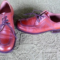 MENS Leather Oxford Laceups / Vintage 1960s Red Ox Blood Colored Shoes/ Size 8 n one half /Europe size 42 / United Kingdom Size 8 / Pre Worn