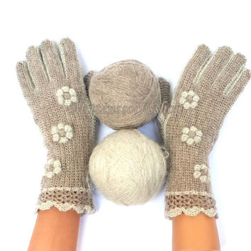 Gloves with fingers Hand knit very Soft and Warm beige Gloves with fingers from Kid mohair Fingerless gloves Knitted Gloves Knitted Mittens