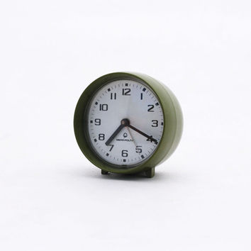 Vintage alarm clock green / olive, Made in Poland 70s, Mechanical Desk Clock, Wind Up Alarm Clock