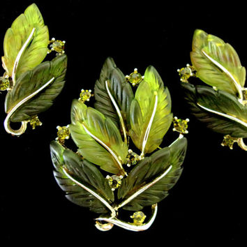 LISNER Thermoset Green Leaves Brooch Earrings Set, Rhinestones, Goldtone, Signed Vintage