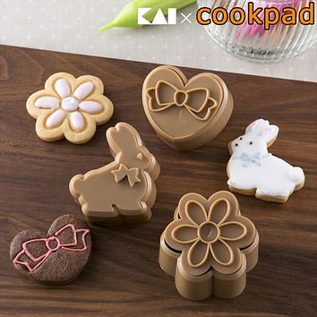 Japanese made rabbit heart flower styrol resin (rice sandwiched uncooked cookie cookie extracted snack making)