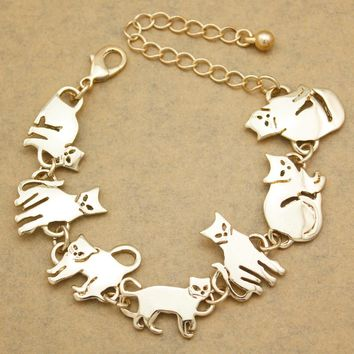 Gold Egyptian Cat Chain Link Bracelet