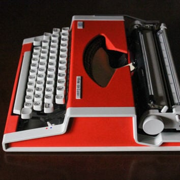 1960's Russian Typewriter / Red TBM de Luxe Portable Compact Vintage Typewriter, Cyrillic Typeface 60's - 80's, WORKING + Red Black Ink Roll