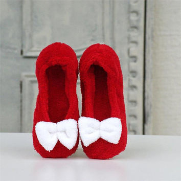 Christmas slippers,Red slippers,House slippers,Ballet flats,cozy slippers,christmas gift,womens slippers,gift for her,soft slippers