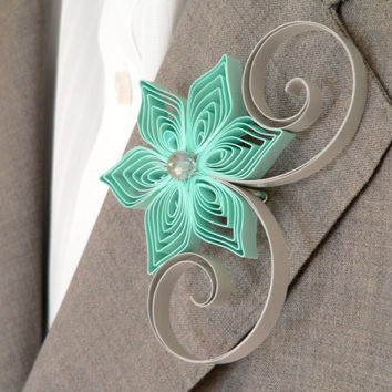 Groomsmen Corsage, Mint Green Grey Flower Boutonniere, Groomsmen Gift, Mint and Grey Wedding, Spring Weddings, Alternative Boutonniere