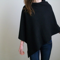 100% MERINO WOOL PONCHO / Pure Wool Poncho / Black Poncho / Merino Wool Cape/ Black Cape/ Wool Poncho / Women Cape / Women Poncho/ Wool Cape