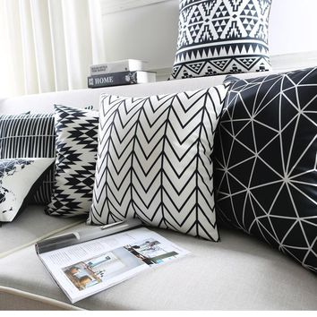 Modern Black And White Kids Cushion Covers Geometric Triangles Stripes Rug Pattern Pillow Cover World Map Velvet Pillow Case