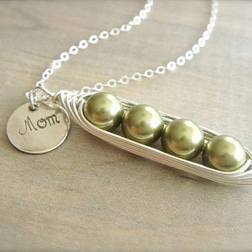 Mom's 4 Peas in a Pod Necklace Pearls Wrapped in by Beazuness