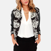 LOOKBOOK: Hey Combo Ivory and Black Floral Print Jacket