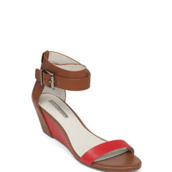 VIVIAN ANKLE WRAP WEDGE SANDAL in Red - BCBGeneration