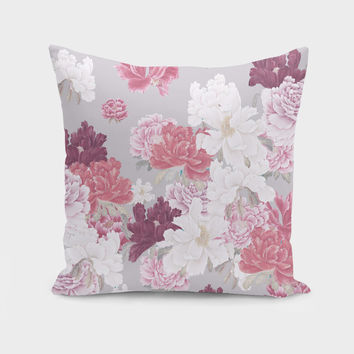 «In my garden» Throw Pillow by Suzanne Carter - Numbered Edition from $27 | Curioos