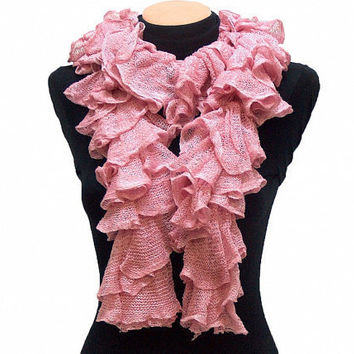 Hand knitted Pink ruffled scarf by Arzus on Etsy