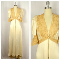 Vintage 1930s Robe / 30s Champagne Hollywood Satin and Lace Dressing Gown / Small