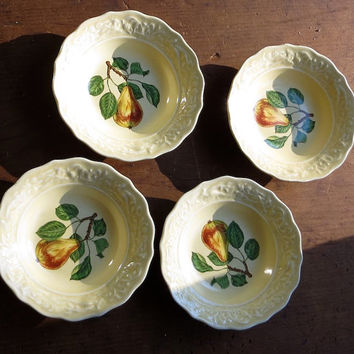 Vintage Berry Bowls, Pears, Set of Four, Dessert Fruit Dishes, Retro 1950s Dinnerware, Pale Yellow, Cottage Decor