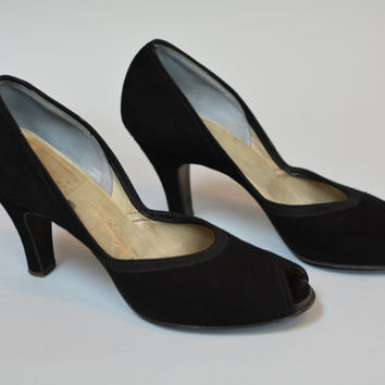 Vintage 40s Black Suede Peep Toe Pumps Size 7 - WWII Pin Up Girl Swing Shoes Leather Sole