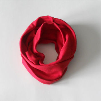 Christmas Red Toddler Infinity Scarf, Child Infinity Scarf, Kid Infinity Scarf, Loop Scarf, Tube Scarf, Circle Scarf, Drool Scarf Bib