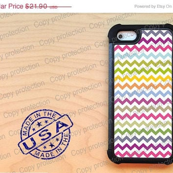 SALE Multi color Chevron iPhone 5 case with extra protection - Preppy iPhone 5 hard case, 2 piece rubber lining case