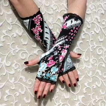 Black  gloves mittens with vintage floral pattern & black lace -  Arm Warmers pink polka dots Gothic Dark victorian retro