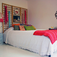 Lovely Undergrad: 11 DIY Headboards for Your Dorm