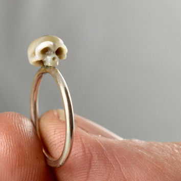 Carved Pearl Skull Ring on Sterling Silver Band - Pearl Ring - Skull Jewelry - Handmade Ring - Holiday Gift - Statement Ring- Unique Gift