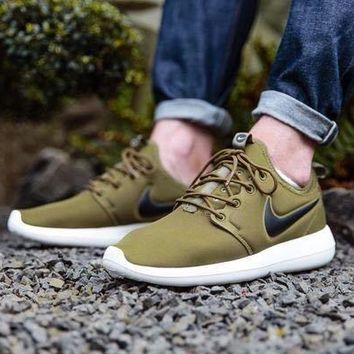 Nike Roshe Two IGUANA Men's Running Shoes Khaki UK 8 EUR 42.5 RRP ?95 Free Post