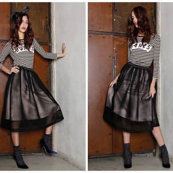 midi skirt in black,with pockets,knee length,pleated,full,high waist,fashion,unique,chic,for autumn.--E0401
