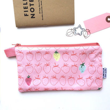 Strawberries Divided Pencil Case (handmade philosophy's pattern)