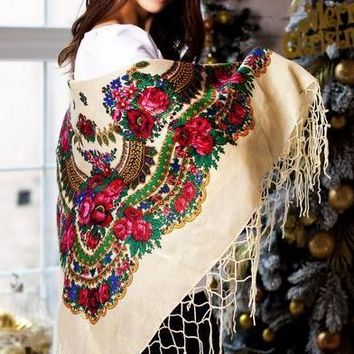 "Ukrainian shawl ""Hustka"". Cream with lurex. Large"