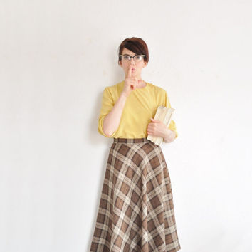 high waist brown plaid skirt . a line tartan print wool .small