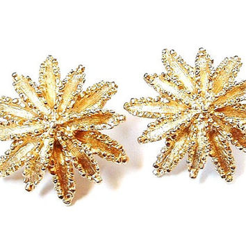 Vintage Avon Earrings Gold Clip On Star Burst Snow Flake No Cost Mail US