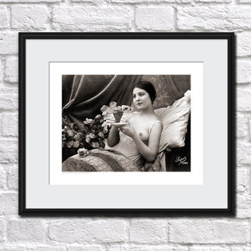 ANTIQUE FRENCH RISQUE Photo Nude Woman Pin Up Home Decor Vintage Stylish Wall Art Postcard Chic Photography Pinup Burlesque Paris - 1086
