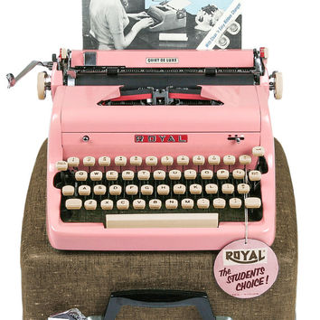 1956 Pink Royal Quiet De Luxe Typewriter / Professionally Serviced / Pink Typewriter / Royal Typewriter / Working Typewriter / Mothers Day