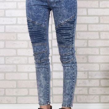 DCCKGE8 Light Wash Moto Jeggings