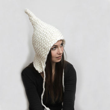 White Knit Hat/ Woman Hat/ Winter Hat/ Pointed Elf Hat/ ELFICA/ Chunky Knitting/ Bulky Wool Hand Knit Hat by Solandia